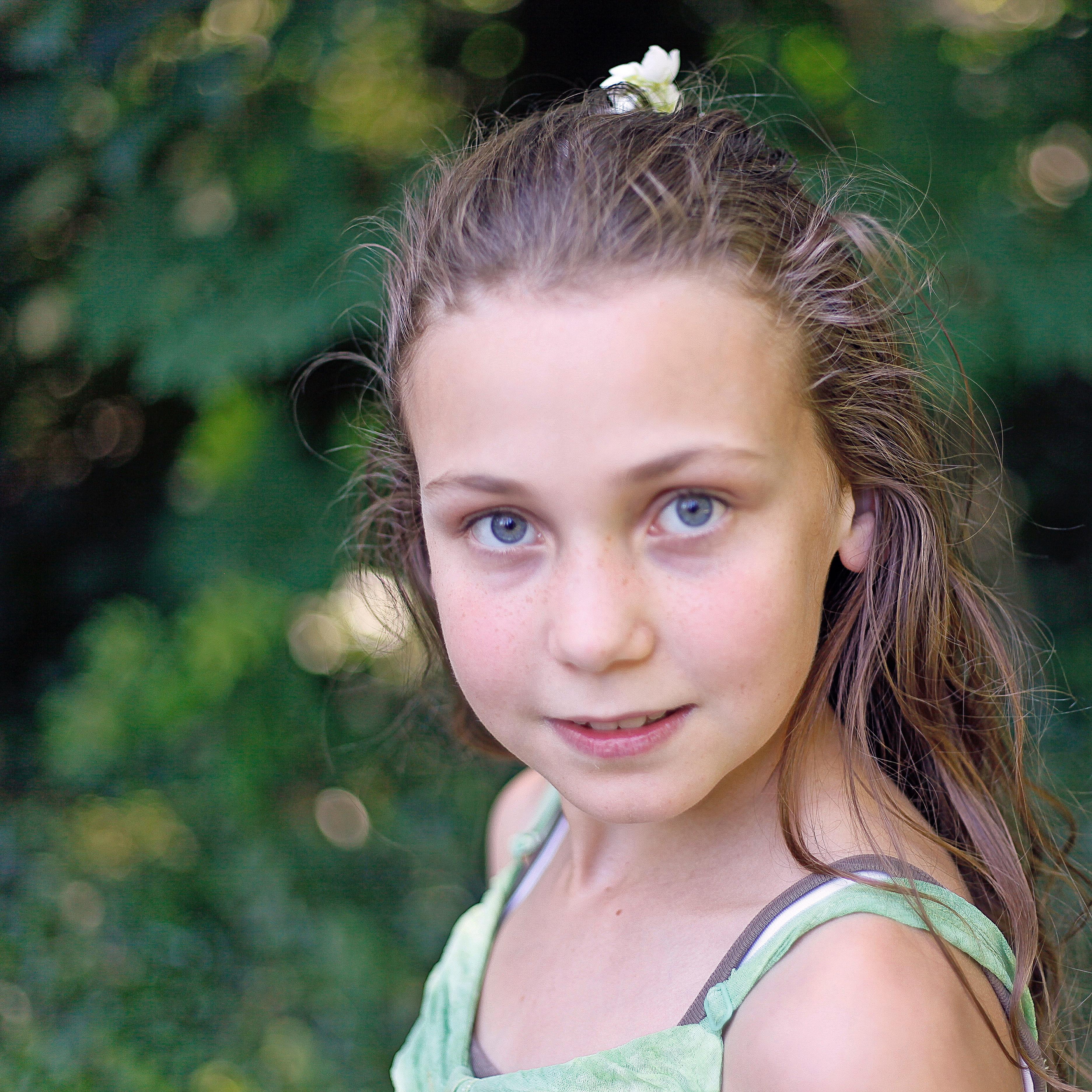 Hübsche 12 Jährige Mädchen